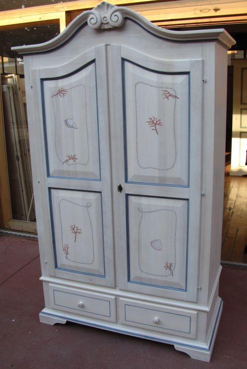 Armadi colorati ingresso immagini ispirazione sul design - Pomelli colorati per mobili ...